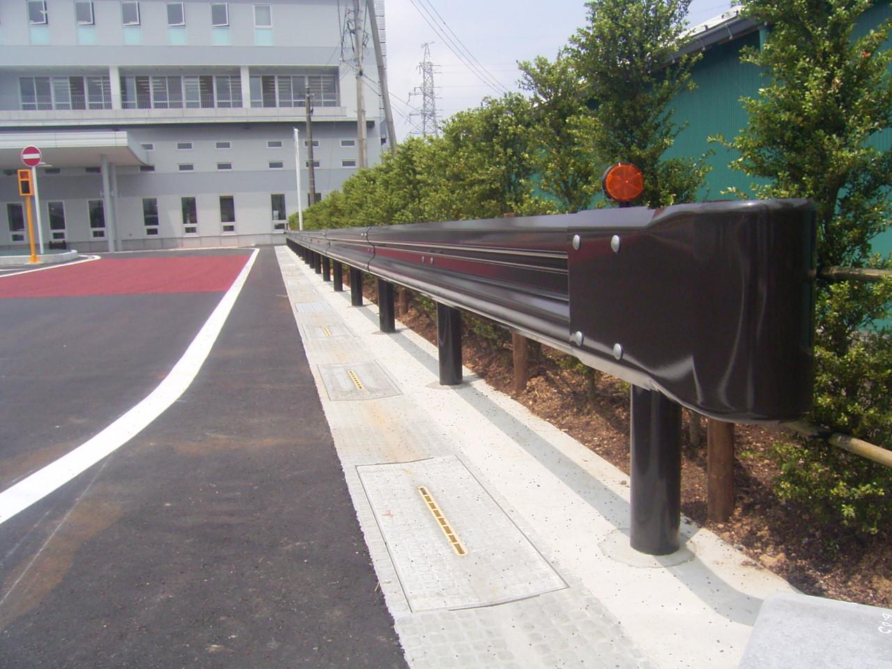 防護柵・防止柵(ガードレール・フェンス) 施工事例02