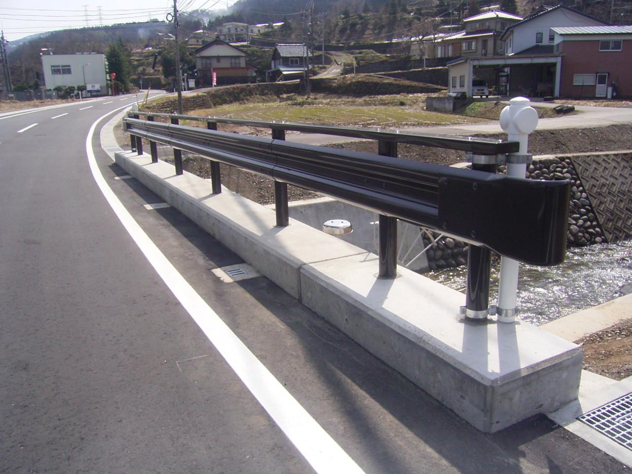 防護柵・防止柵(ガードレール・フェンス) 施工事例03