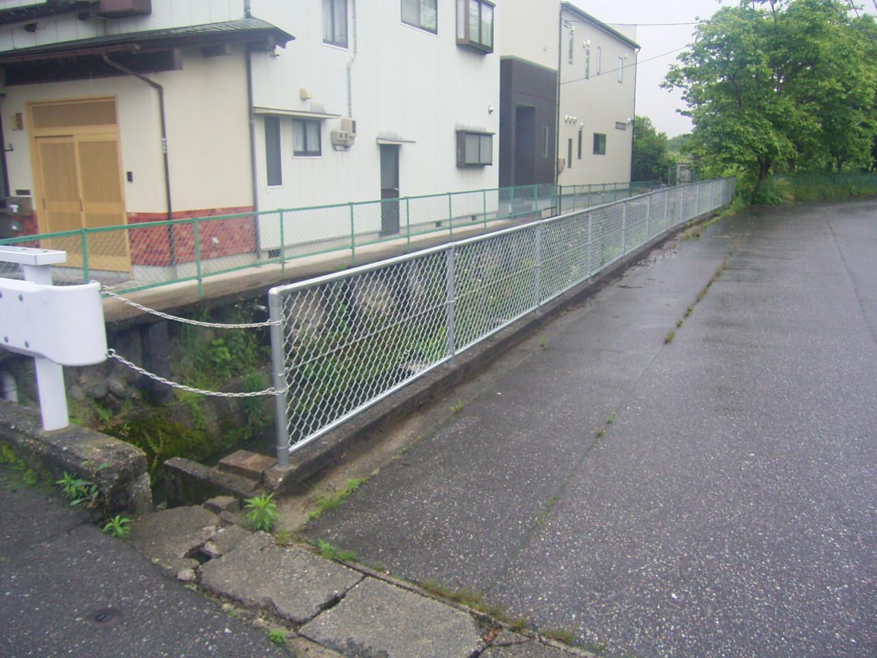 防護柵・防止柵(ガードレール・フェンス) 施工事例12