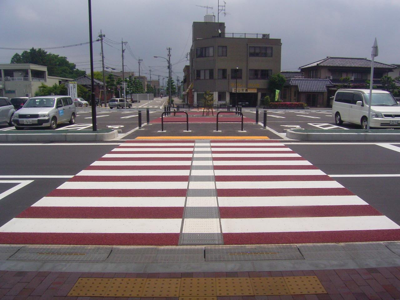 薄層カラー舗装(滑り止め)・路面カラー化 施工事例3