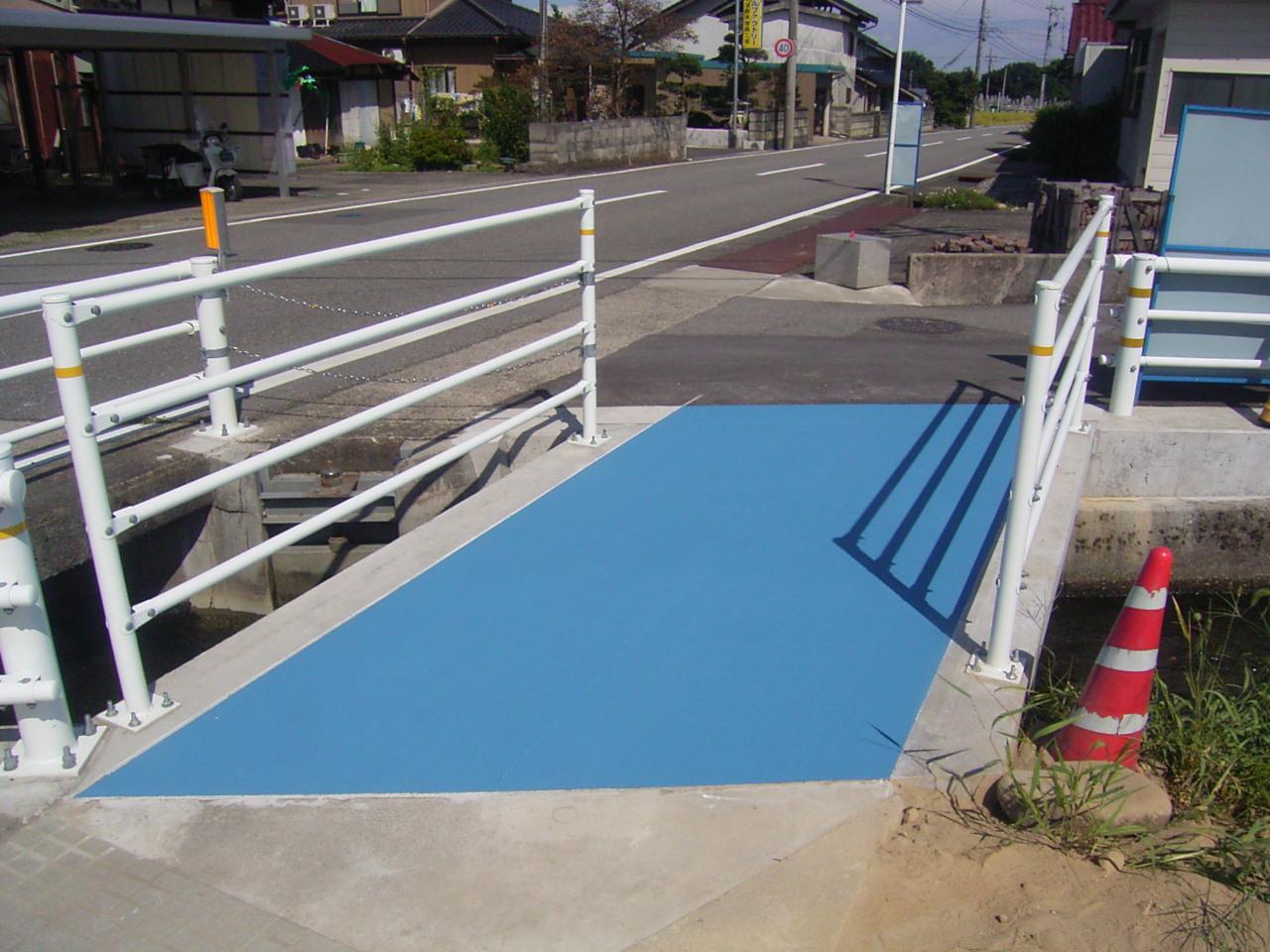 薄層カラー舗装(滑り止め)・路面カラー化 施工事例8