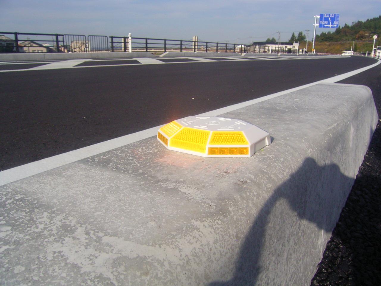 視線誘導標・線形誘導標(デリネーター) 施工事例04
