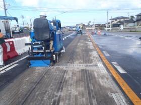 道路の溝:グルービング工事